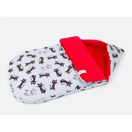 Mamo Tato Multifunkčný fusak-zavinovačka Minky Mačičky sivá/červená 0-12 mesiacov